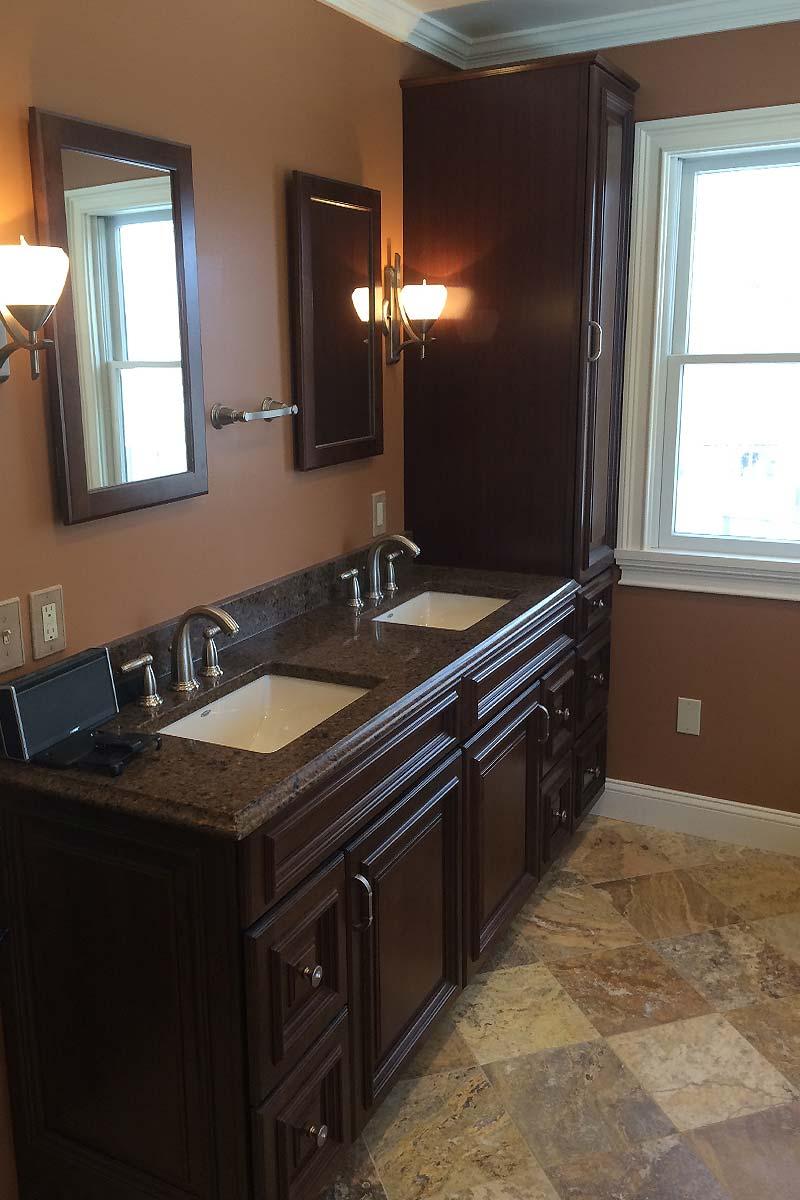 Bathroom Renovations Vermont: Small & Elegant Bathroom Renovation